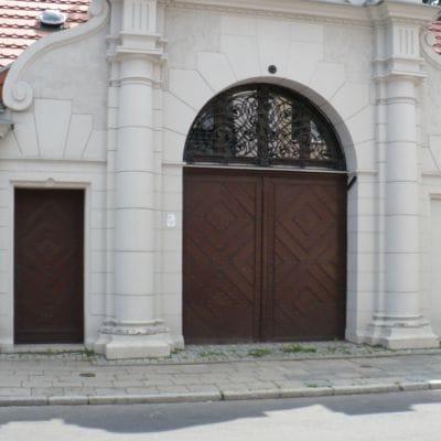 Bramy garażowe – krótka historia