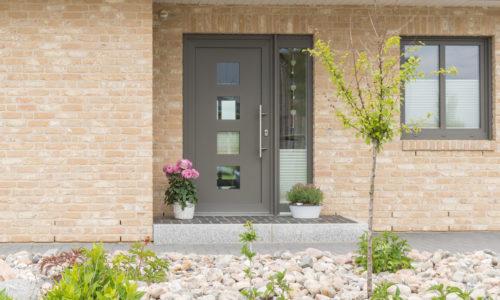 Taśma 3M™ VHB™ dla producentów drzwi zewnętrznych metalowych