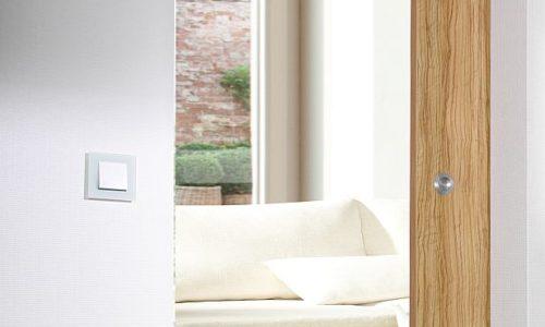 WOELM: domykacz drzwiowy zfunkcją TipOn