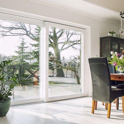 Jak dbać o okna z PCW?