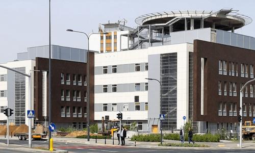 Szpital Południowy znowoczesną stolarką aluminiową