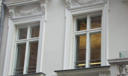 5 kroków w pielęgnacji okien drewnianych