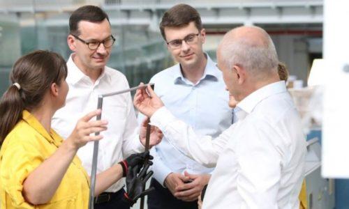 Premier Morawiecki zżyczeniami dla branży stolarki