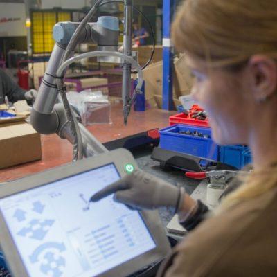 Rekordowa robotyzacja wpolskim przemyśle