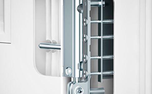 Zawias wzmocniony AXOR 130 kg jako standard  okienny