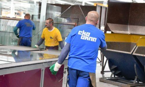 Pracownicy Eko-Okien produkują iwspierają szpital