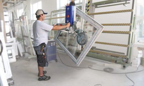 Bezpieczny i wydajny transport okien – na produkcji i montażu