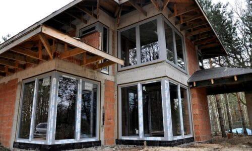 Jak prawidłowo montować ciepłe okna?