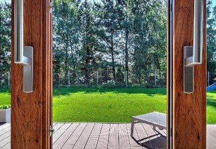 Okna tworzywowe jak z drewna