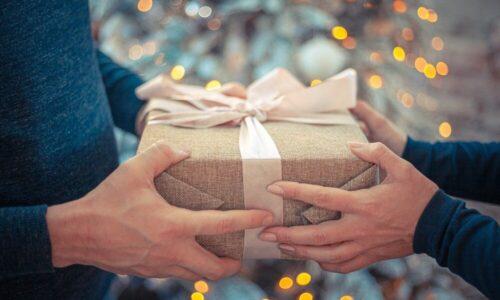 Prezenty świąteczne dla kontrahentów nie zawsze są kosztem