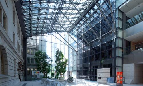 AGC sprzedaje swoje zakłady w USA