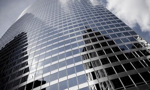 Szklane biurowce będą produkować energię