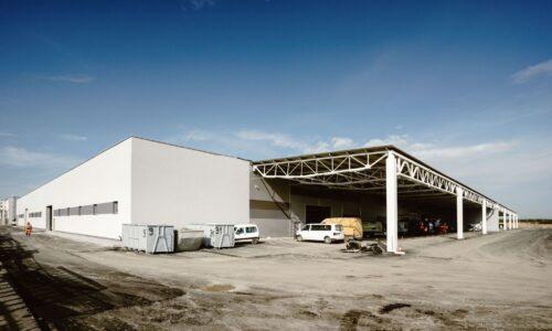 Eko-Okna kończą budowę zakładu stolarskiego