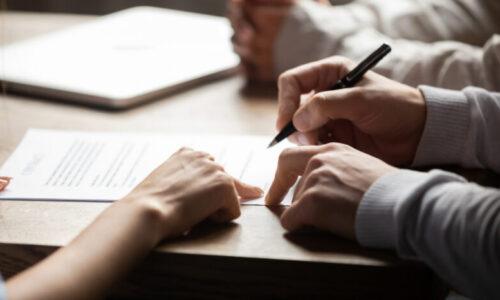 Czy błędy w umowie o pracę można korygować?